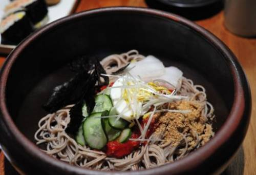 Buckwheat noodles with cucumbers and spices